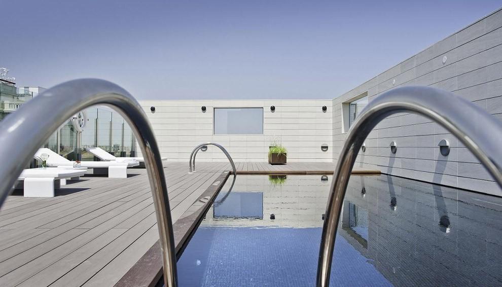piscina del hotel alfonso zaragoza